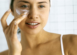 Why Use Eye Creams in Your 20s
