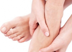 How to take care of feet and hands at home