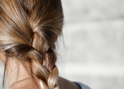 Is There A Shampoo That Lightens Your Hair?